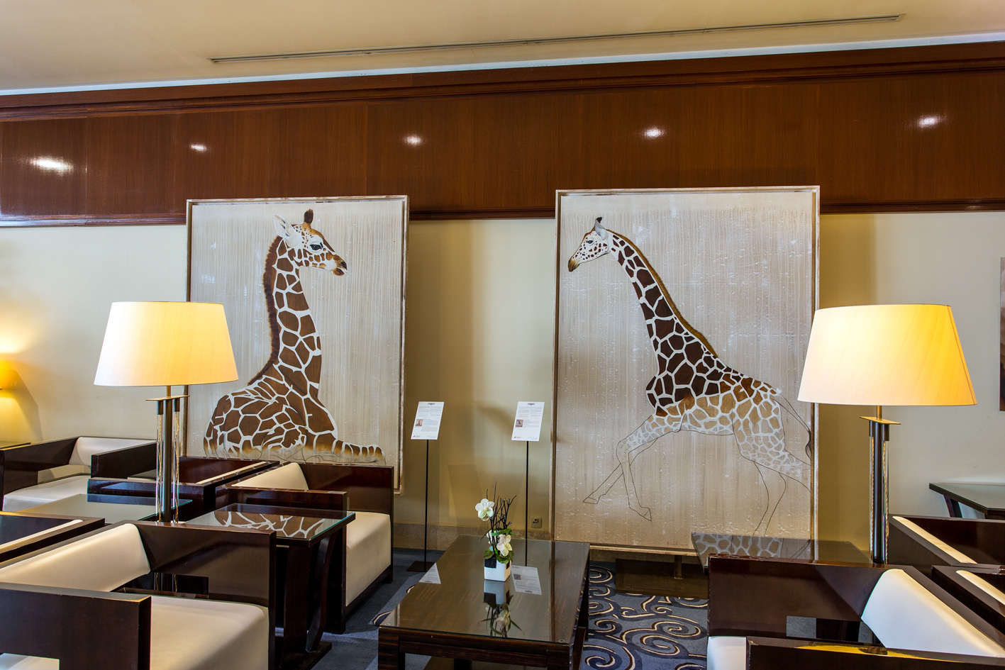HOTEL FAIRMONT MONACO giraffe-rothschild-threatened-endangered-extinction-animal-painting Animal painting by Thierry Bisch pets wildlife artist painter canvas art decoration