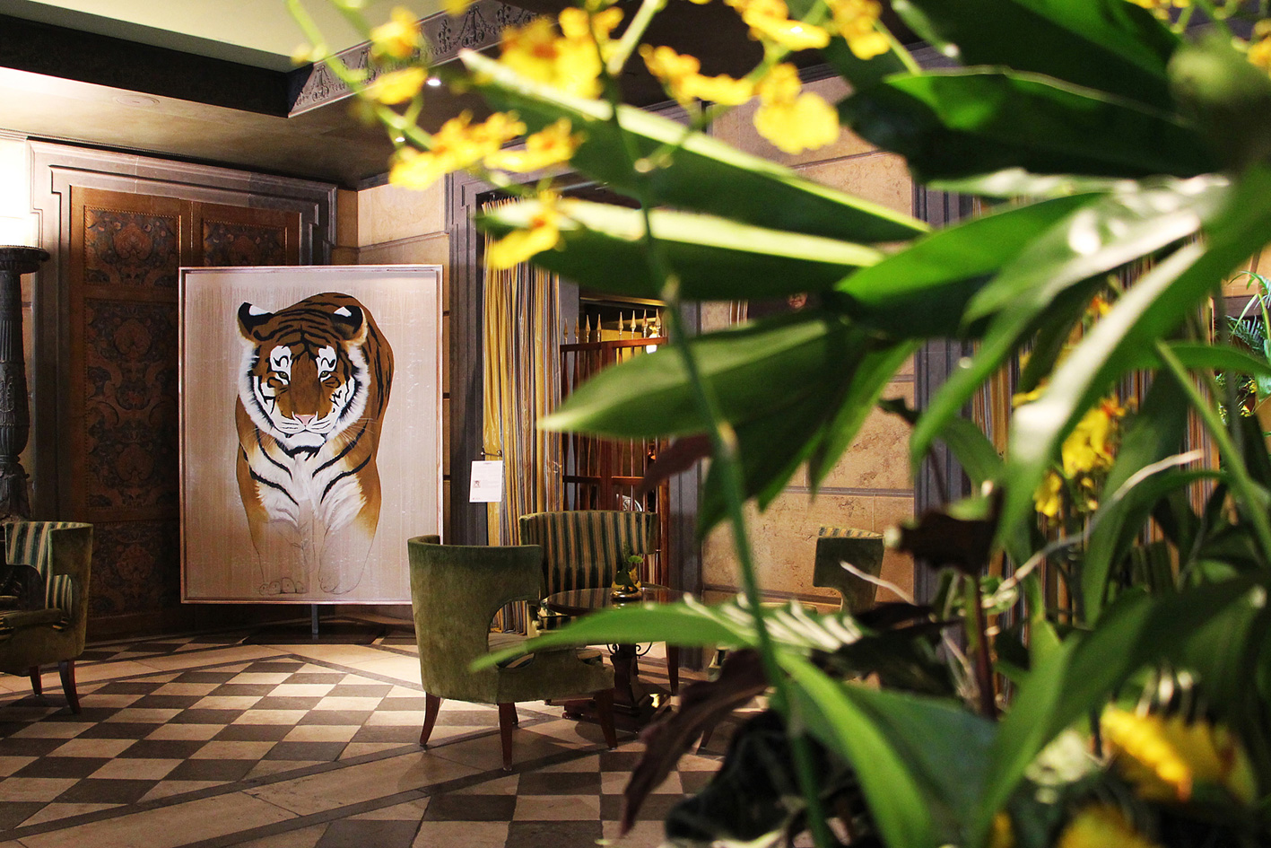 HOTEL METROPOLE MONACO tiger-siberian-amur-threatened-endangered-extinction- Thierry Bisch painter animals painting art decoration hotel design interior luxury nature biodiversity conservation