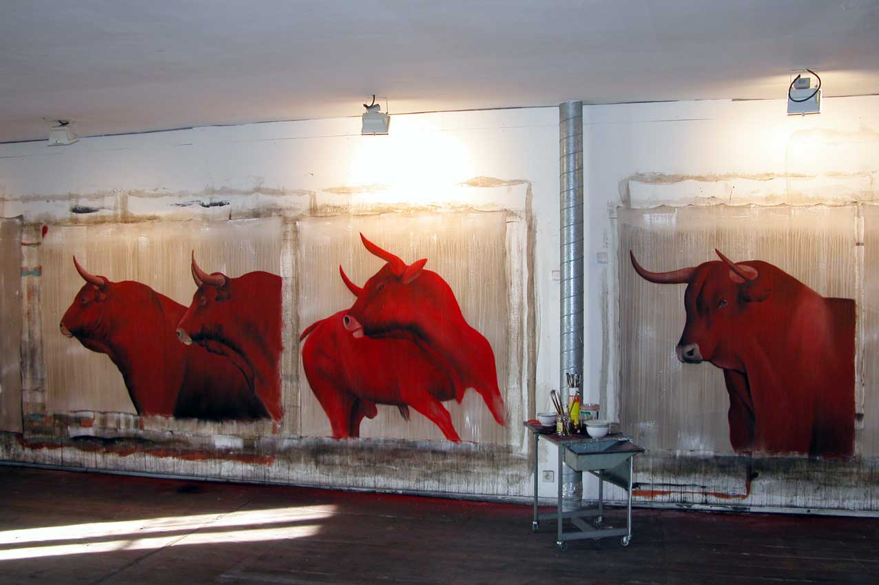 Red Bulls animal-painting Thierry Bisch painter animals painting art decoration hotel design interior luxury nature biodiversity conservation