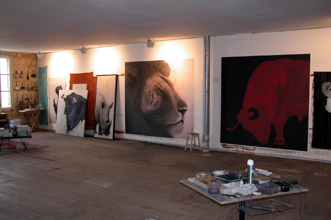 Atelier lion lion-Rhinoceros-rhino-bull Thierry Bisch painter animals painting art decoration hotel design interior luxury nature biodiversity conservation