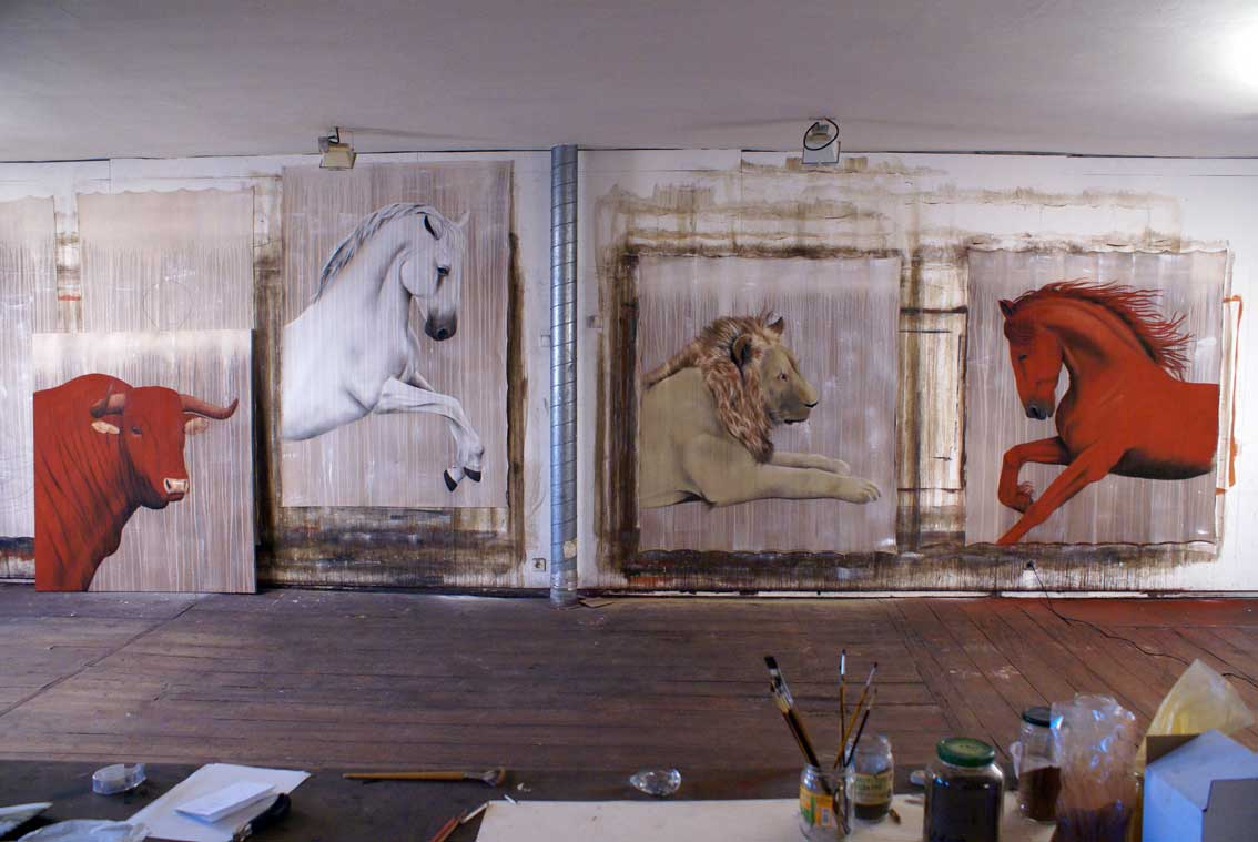 Janvier 2008 Red-bull-thoroughbred-horse-lipizzaner-lion-arabian-red Thierry Bisch painter animals painting art decoration hotel design interior luxury nature biodiversity conservation