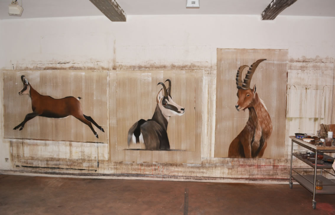 Chamois IBEX-CHAMOIS%20JUMPING%20CHAMOIS-CHAMOIS Thierry Bisch painter animals painting art decoration hotel design interior luxury nature biodiversity conservation