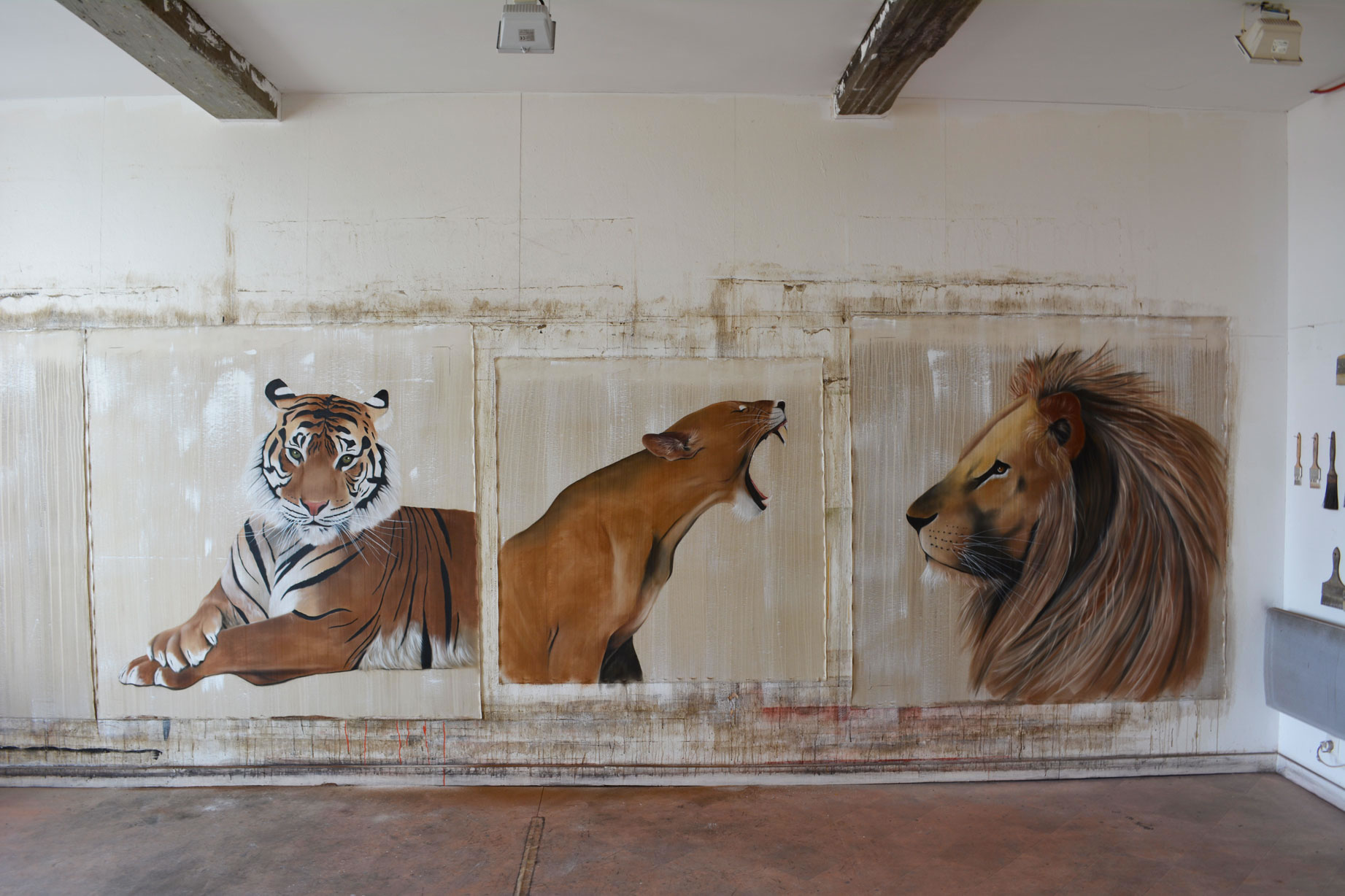 Fauves lioness-Tiger-Royal-Bengal-LION Thierry Bisch painter animals painting art decoration hotel design interior luxury nature biodiversity conservation